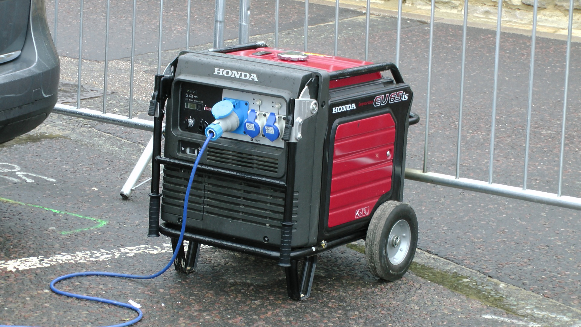 Generators should be kept dry and operated on dry surfaces.